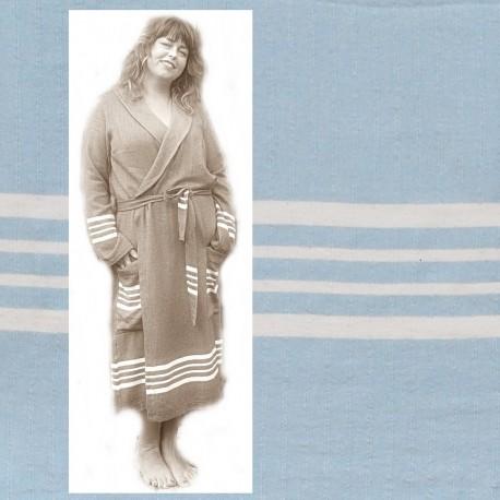 GRACE: luxe dames badjas met ruimte voor vormen zacht Blauw