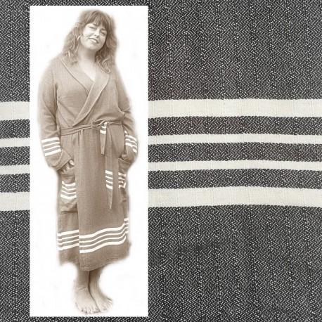 GRACE: luxe dames badjas met ruimte voor vormen vrouwelijk/stoer Zwart